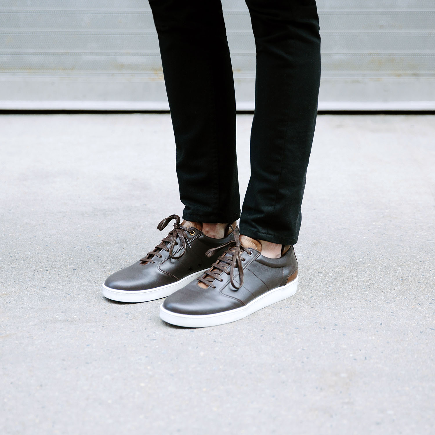 sleek-mens-leather-sneakers